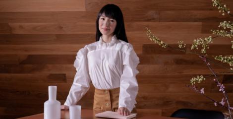 Marie Kondo s'invite dans votre bureau : les avantages d'un espace organisé